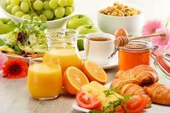 Sammansättning med frukosten på tabellen Balnced bantar Fotografering för Bildbyråer
