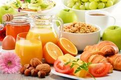 Sammansättning med frukosten på tabellen Balnced bantar Royaltyfri Bild