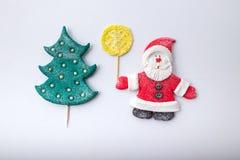 Sammansättning Santa Claus och julgran handgjort Royaltyfri Fotografi