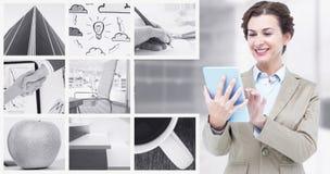 Sammansatt bild av att le affärskvinnan som använder minnestavladatoren arkivfoton