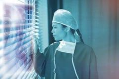 Sammansatt bild av den medicinska manöverenheten på röntgenstrålen 3d Royaltyfria Foton