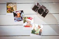 Sammansatt bild av den nätta brunetten i gåva för santa dräktöppning Royaltyfria Bilder