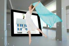 Sammansatt bild av den unga härliga kvinnliga dansaren med den blåa halsduken Royaltyfria Bilder