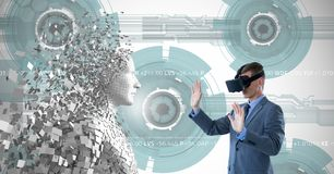Sammansatt bild av den unga mannen som använder virtuell verklighet 3d Royaltyfri Bild