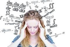 Sammansatt bild av en blond kvinna som har huvudvärk Arkivfoton
