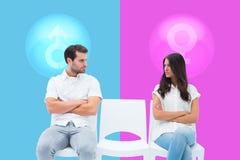 Sammansatt bild av ilskna par som inte talar efter argument arkivfoton