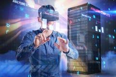 Sammansatt bild av mannen som använder virtuell verklighethörlurar med mikrofon 3d Royaltyfria Bilder