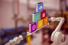 Sammansatt bild av metalliska robotic händer som rymmer datorsymboler över vit bakgrund Arkivfoton