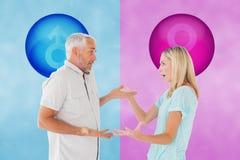 Sammansatt bild av olyckliga par som har ett argument Arkivfoton