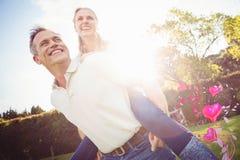 Sammansatt bild av par- och valentinhjärtor 3d Arkivfoton