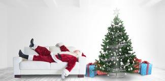 Sammansatt bild av Santa Claus som tar en ta sig en tupplur Royaltyfri Bild