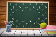 Sammansatt bild av skolasymboler Arkivfoto