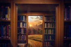 Sammansatt bild av slutet upp av en bokhylla 3d Royaltyfria Foton