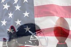 Sammansatt bild av slutet upp av den sportskor och hjälmen vid amerikansk fotboll på utslagsplats royaltyfri bild