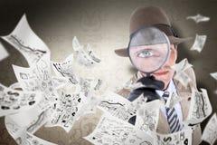 Sammansatt bild av spionen som ser till och med förstoringsapparaten Royaltyfria Bilder