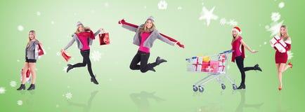 Sammansatt bild av stilfulla blonda hållande shoppingpåsar Arkivbilder