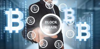 Sammansatt bild av symbolet av den digitala cryptocurrencyen för bitcoin med olika symboler Arkivfoto