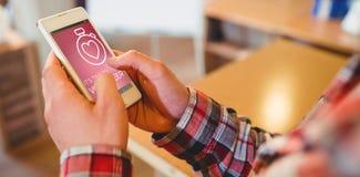 Sammansatt bild av volontärtext med symboler på rosa färgskärmen Arkivfoton