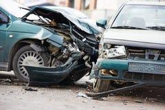 Sammanstötning för bilkrasch i stads- gata Royaltyfri Fotografi