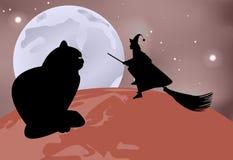 Sammanträde för svart katt på jordklotet och en häxa som flyger över det på en månbelyst natt i beröm av allhelgonaaftonen Royaltyfri Fotografi