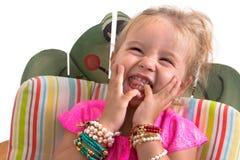 Sammanträde och skratta för barn Royaltyfri Bild