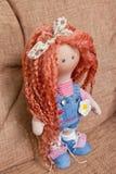 Sammelbare Puppe handgemacht mit dem roten natürlichen Haar Stockfoto
