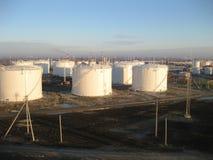 Sammelbehälter für Erdölprodukte Stockfotos