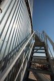 Sammelbehälter mit Treppe Lizenzfreie Stockfotos