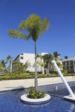Sammelerholungsort und Kasino Royalton, die beim Bavaro gelegen ist, setzen in Punta Cana auf den Strand Lizenzfreie Stockfotografie