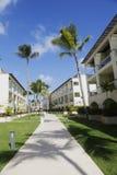 Sammelerholungsort und Kasino Royalton, die beim Bavaro gelegen ist, setzen in Punta Cana auf den Strand Stockfoto