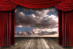sammet för teater för etapp för inomhus perormance för cu röd Royaltyfria Bilder