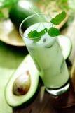 sammetslen rik smoothie för avokado Arkivfoto