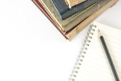 Sammlung alte Bücher auf Weiß Lizenzfreie Stockbilder