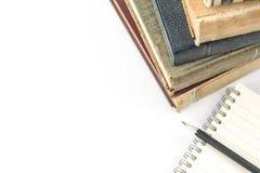 Sammlung alte Bücher auf Weiß Lizenzfreie Stockfotografie