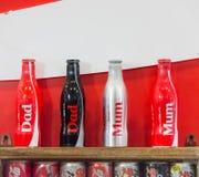 Sammlung Coca Cola Special Gift Editions-Flaschen stockbild