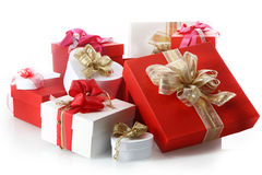 Sammlung dekorative rote und weiße Geschenke lizenzfreies stockbild