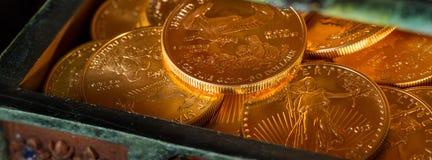 Sammlung ein UnzeGoldmünzen Stockbild