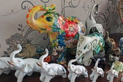 Sammlung Elefanten von den verschiedenen Pl?tzen auf dem Aufbereiter stockbilder