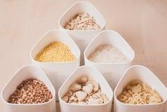 Sammlung Getreide, Körner: Reis, Hafer, Buchweizen, Hirse, Stockbilder