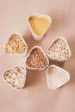 Sammlung Getreide, Körner: Reis, Hafer, Buchweizen, Hirse, Stockfotos