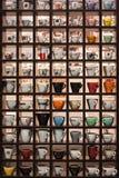 Sammlung Kaffeetassen an Wirt 2013 in Mailand, Italien Lizenzfreie Stockbilder