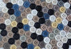 Sammlung Knöpfe von verschiedenen Farben Lizenzfreie Stockfotografie