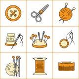 Sammlung Näharbeit, strickend, nähende Ikonen (Vektorillustration) Stockfoto