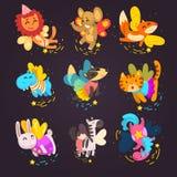 Sammlung nette geflügelte Tiere mit magische Stäbe, Fantasiemärchenhund, Katze, Pferd, Einhorn, Häschen, Zebrakarikatur stock abbildung