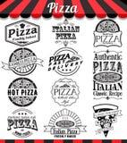 Sammlung Vektorpizzazeichen, -symbole und -ikonen Vector Pizzaausweisaufkleber und beschriftet Lebensmittelsatz Lizenzfreie Stockbilder