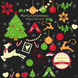 Sammlung Weihnachtsverzierungen auf einem schwarzen Hintergrund Stockbild