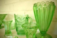 Sammlung: Weinlesedreißiger jahre Vasen grünen Glases Stockfotografie