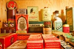 Sammlung Weinlesekosmetik im Museum von Sachen Stockfotos
