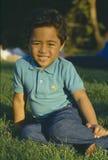Samoaischer Junge im Park Stockbilder