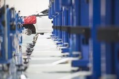 samochód ładunku centrum opieki samochodów wnętrza podnieść trzy Elektryczny dźwignięcie dla samochodów w serv Obrazy Royalty Free